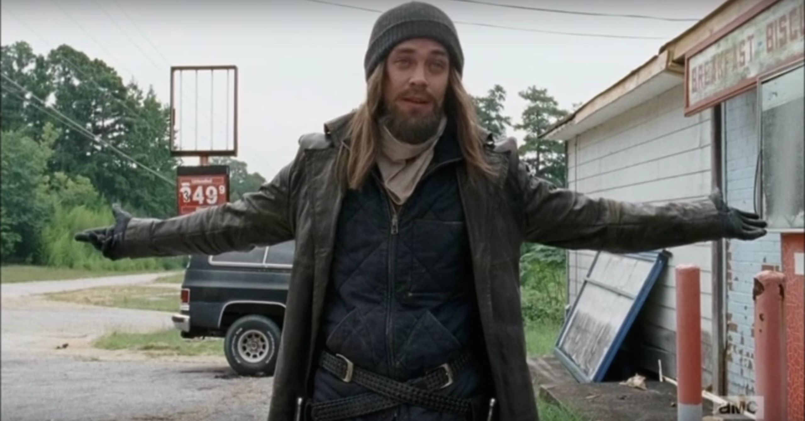 the-walking-dead-s-tom-payne-talks-the-one-change-amc-made-to-jesus-in-season-6-8560491.jpg