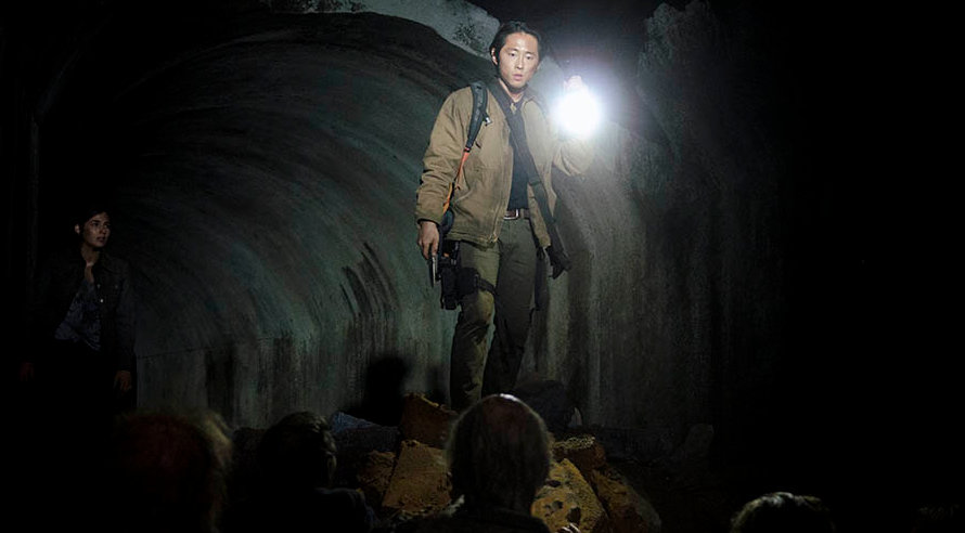 The Walking Dead Top 10 Times Glenn Scared Fans To Death Page 6