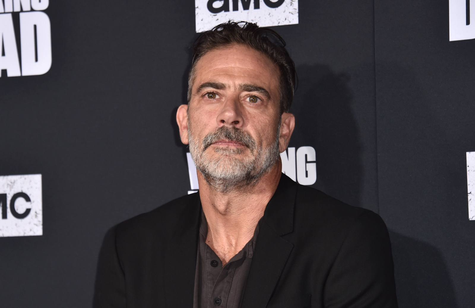 Jeffrey Dean Morgan reaches out to bullied 9 year old
